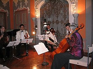 The Summit Chamber Players perform Draeseke in Coburg (18 June 2005) Click to see on YouTube